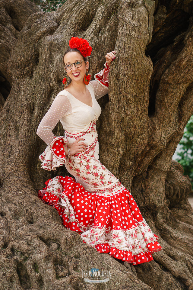 Preboda en la Aldea del Rocío. Novia vestida de gitana